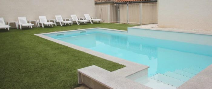 piscine avec escalier